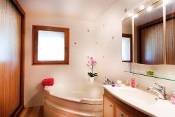 salle-de-bain1_tonemappedweb-382.jpg